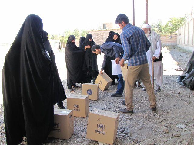 توزيع بسته هاي بهداشتي(اهدائي سازمان ملل متحد در امور پناهندگان)